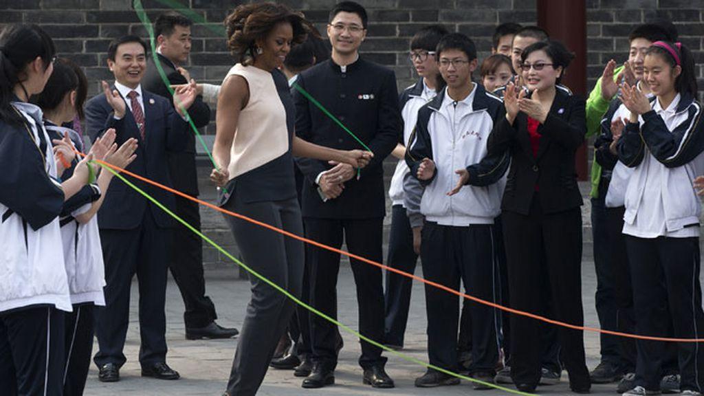 Michelle Obama saltó a la comba en su visita oficial a China