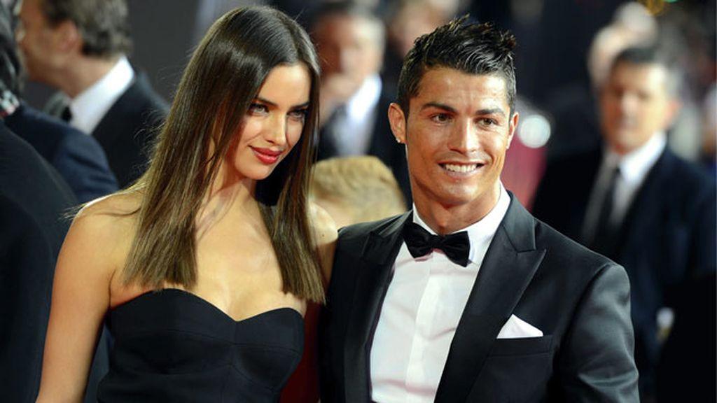 El mundo de la moda y del fútbol se unían sobre la alfombra roja con glamour