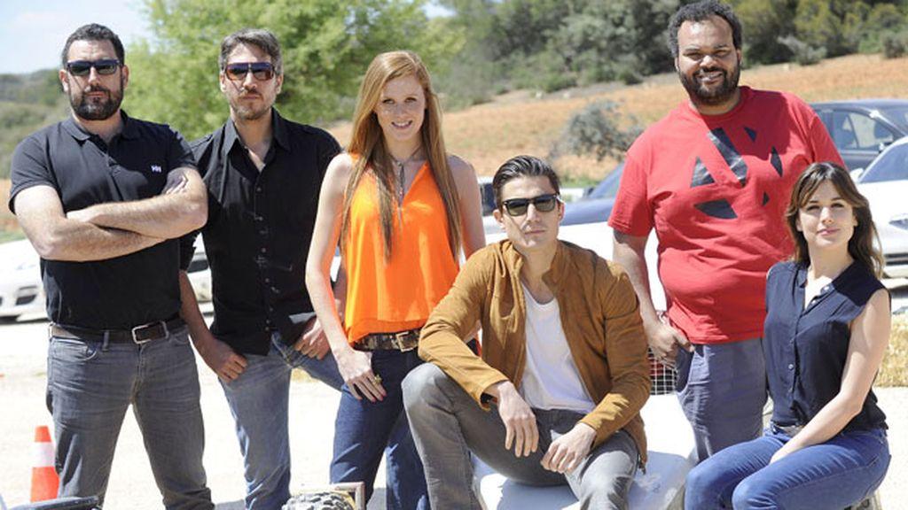 Los actores de 'Combustión' junto a su director, Daniel Calparsoro