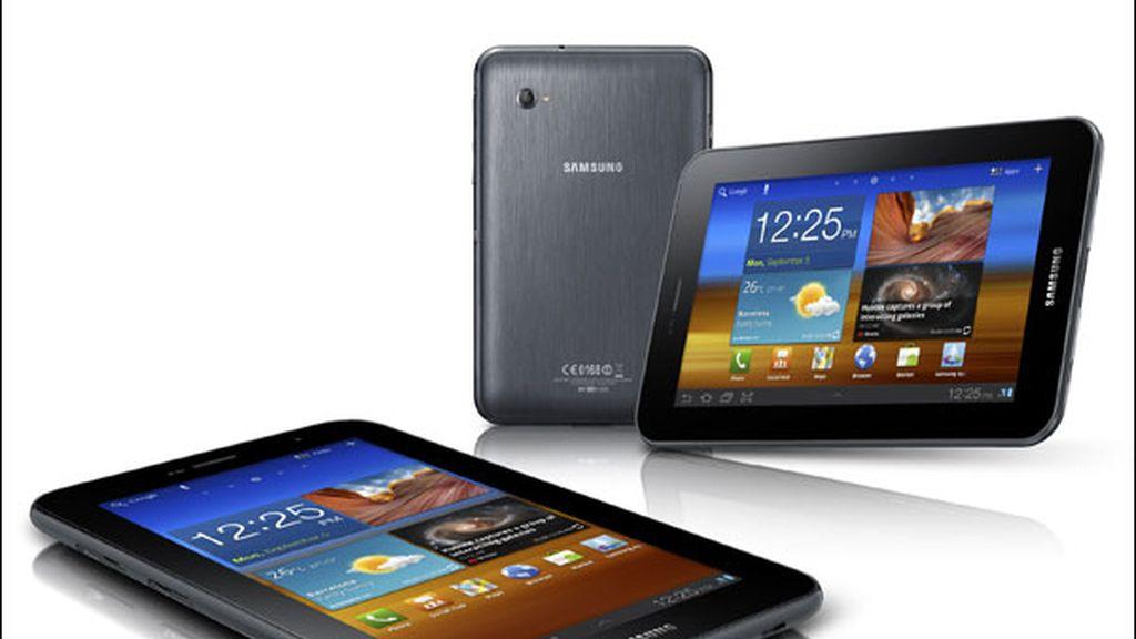 Apple afirma que Samsung usa sus patentes para copiar sus dispositivos móviles como el iPhone y el iPad.
