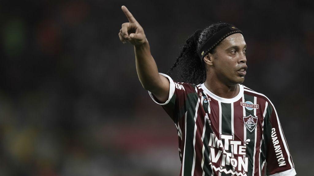 Ronaldinho, el Gaúcho no tiene equipo