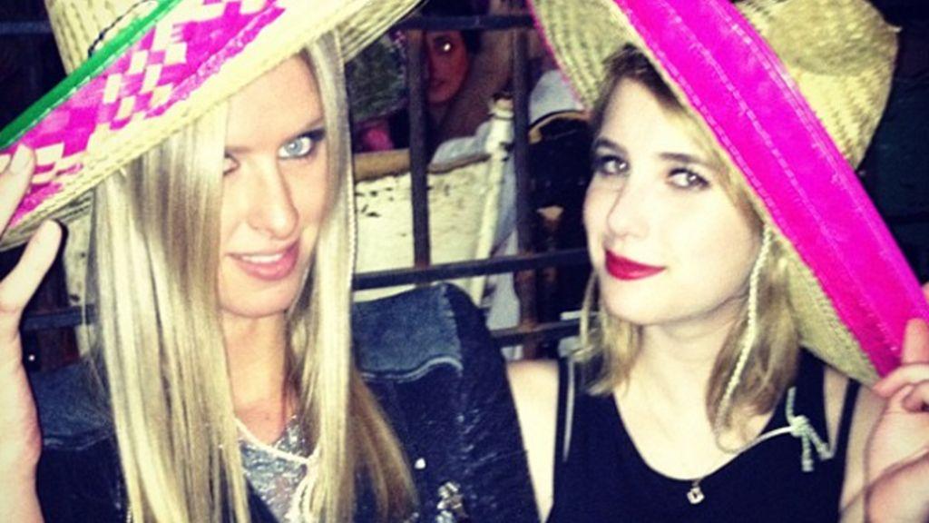 Emma Roberts en el Twitter de Nicky Hilton