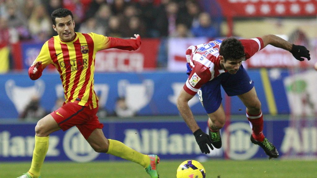 Diego Costa cae ante Pedro Rodríguez