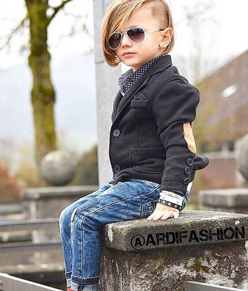 Este niño de tres años demuestra que el estilo no es cuestión de edad