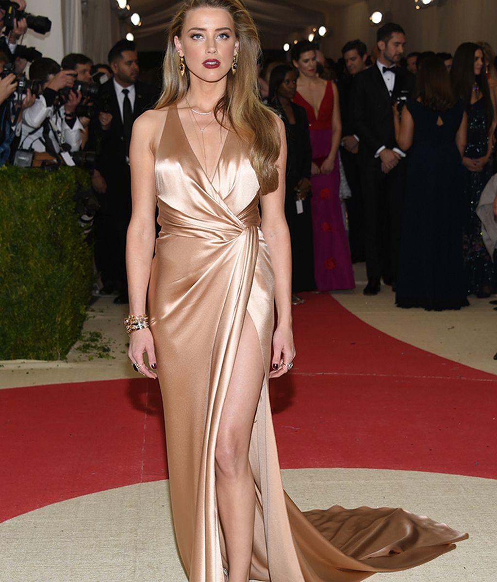 Amber Heard vestida de Ralph Lauren