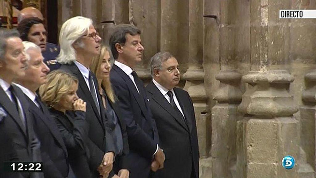 Eugenia y sus hermanos en el funeral de doña Cayetana