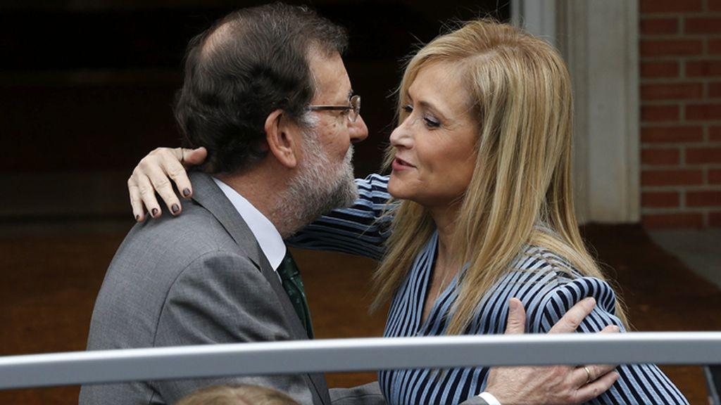 Rajoy recibe en La Moncloa a la presidente de Madrid, Cristina Cifuentes