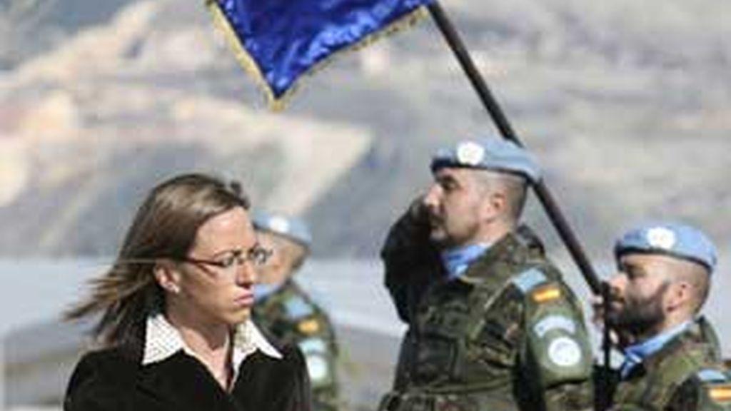 Carme Chacón visita por segunda vez las tropas españolas en Líbano. Vídeo: ATLAS