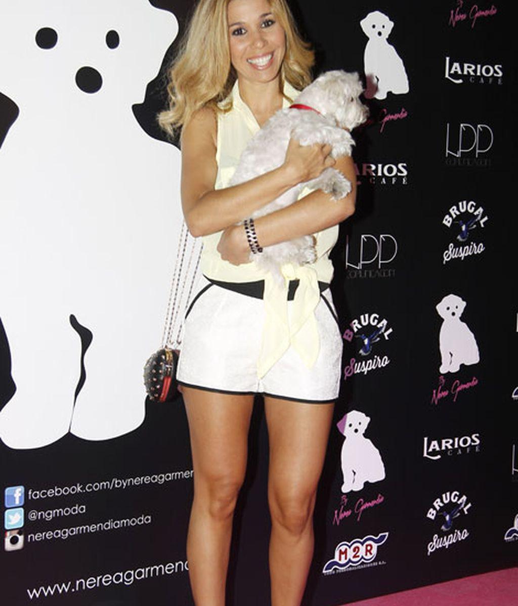 Natalia Rodríguez posó con Coko, el perro de Garmendia y Olmedo