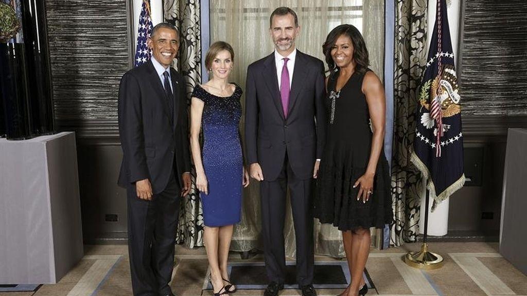 Los reyes posan junto al matrimonio Obama en la sede de la ONU