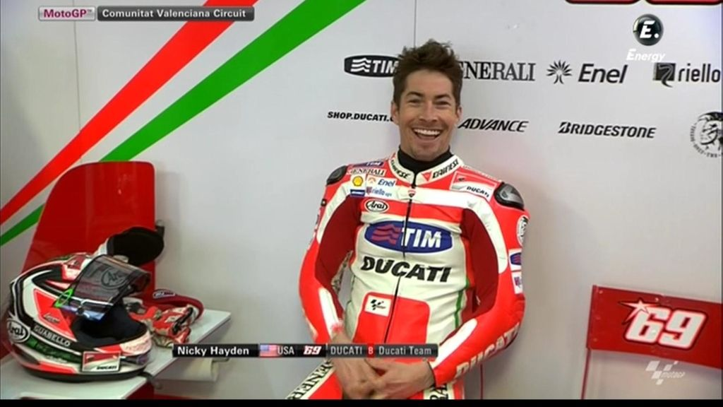 Nicky Hayden, todo sonrisas en el test de Valencia