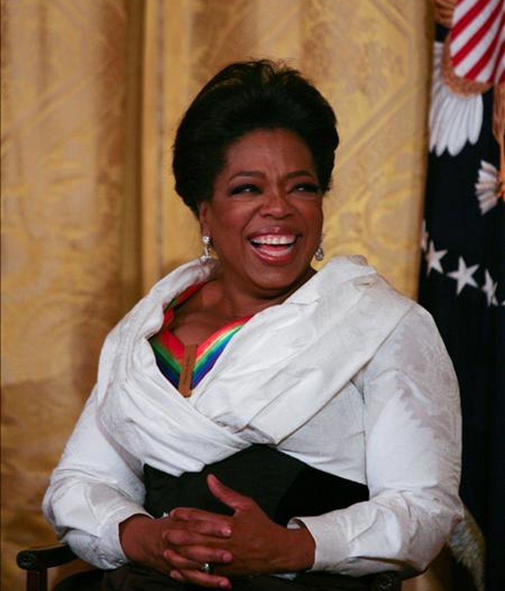 Oprah Winfrey realizó las contribuciones económicas para financiar proyectos educativos y sociales para mujeres y niños a través de la Oprah Winfrey Foundation, organización filantrópica creada por ella misma. EFE/Archivo