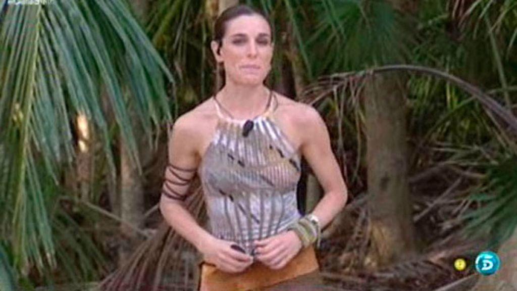 Bañadores, pareos, collares...los estilismos de Raquel, en fotos
