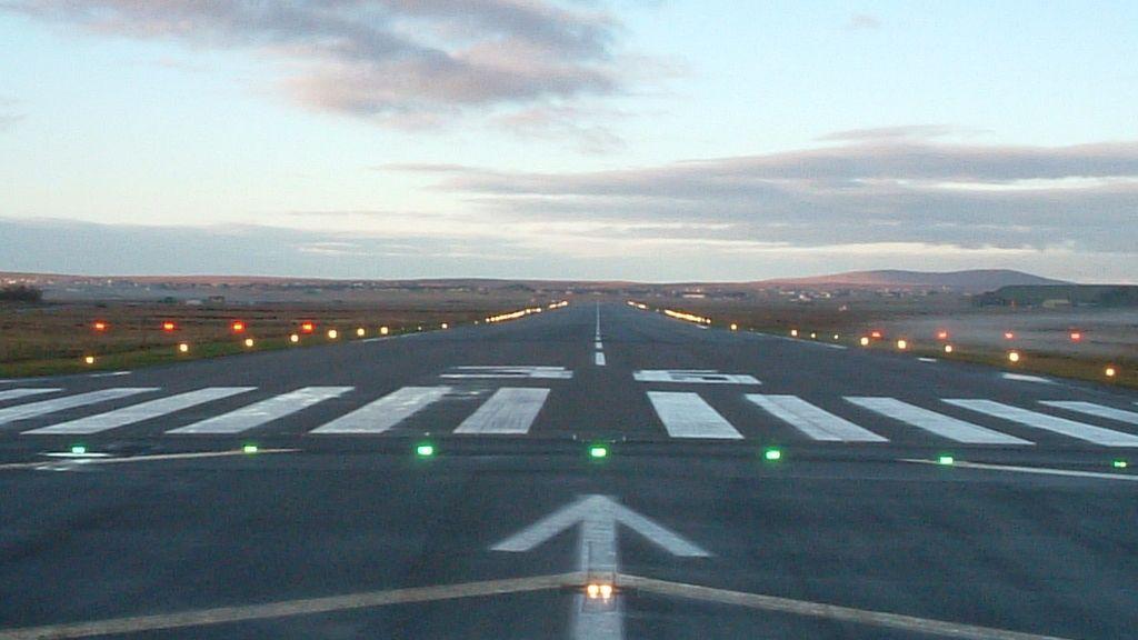 aeropuerto, aviones, pista de aterrizaje