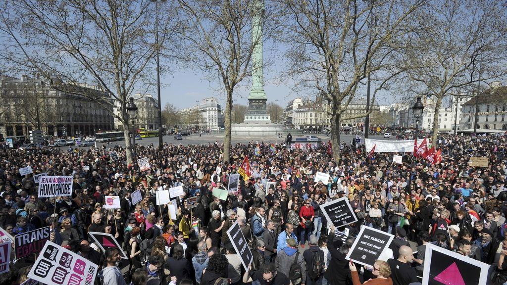 Protesta masiva en París
