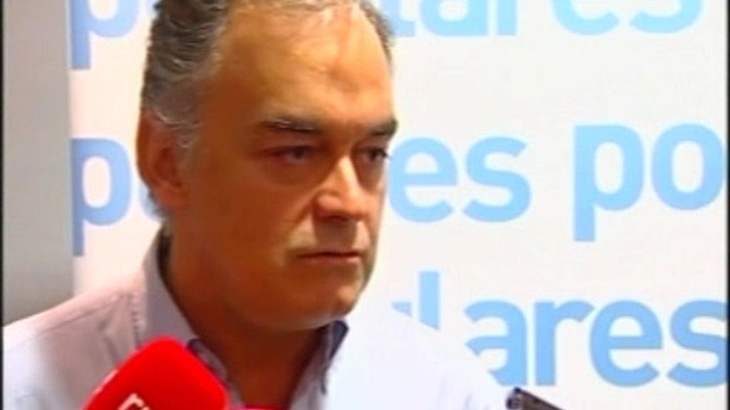 """El PP sitúa a González en la """"X"""" del GAL"""