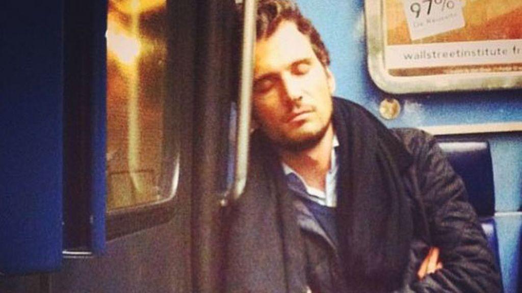 Instagram presume de los chicos más guapos del metro de París