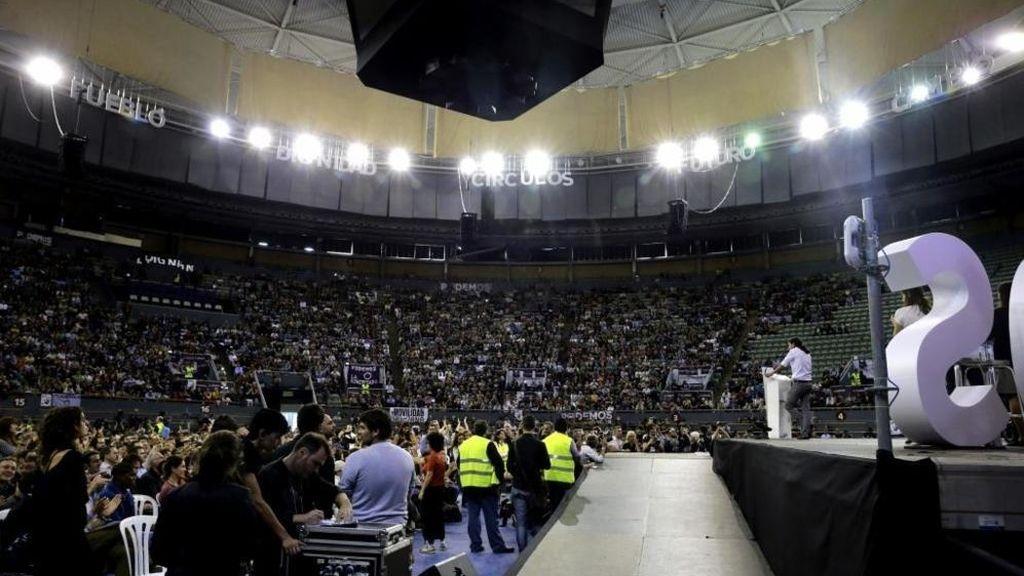 Asamblea de Podemos en la plaza de toros de Vistalegre en Madrid