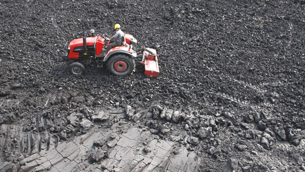 Trabajando extrayendo carbón