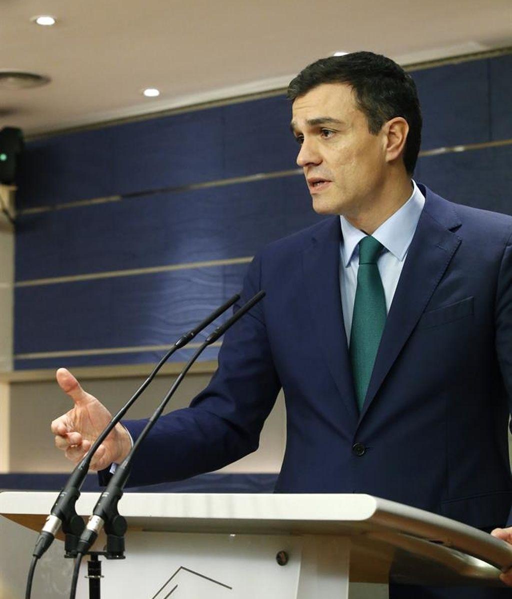 """Pedro Sánchez define como """"útil"""" su reunión con Rajoy"""