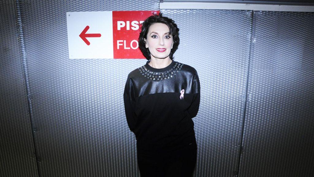 """Luz Casal, sin duda una de nuestras voces de mayor repercusión internacional, fue la encargada de abrir el concierto con su éxito """"Piensa en mí"""""""