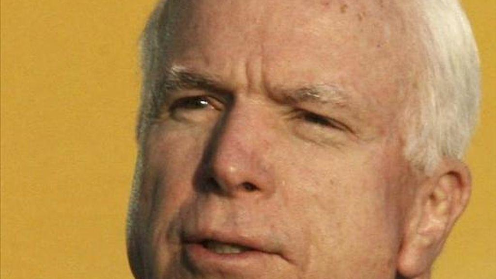 El viaje de McCain, su segundo desde 2008 cuando se presentó como candidato presidencial del Partido Republicano, se produce en unos momentos en que los republicanos han recuperado el control de la Cámara de Representantes, lo que en teoría facilitaría la aprobación del TLC. EFE/Archivo