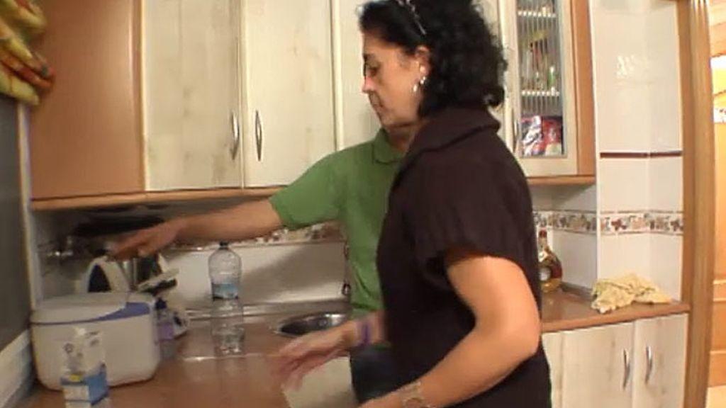 Mónica se convierte en ama de casa
