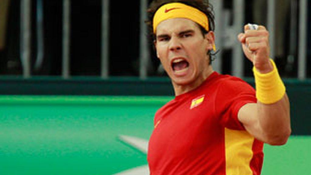 El tenista español Rafa Nadal ha remontado contra el argentino Juan Martín del Potro y ha dado a la 'Armada' su quinta 'Ensaladera'.