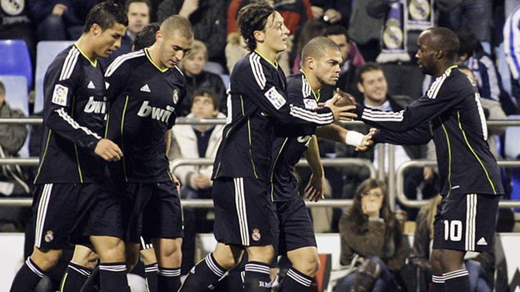 El Madrid atropella a un Zaragoza sin alma