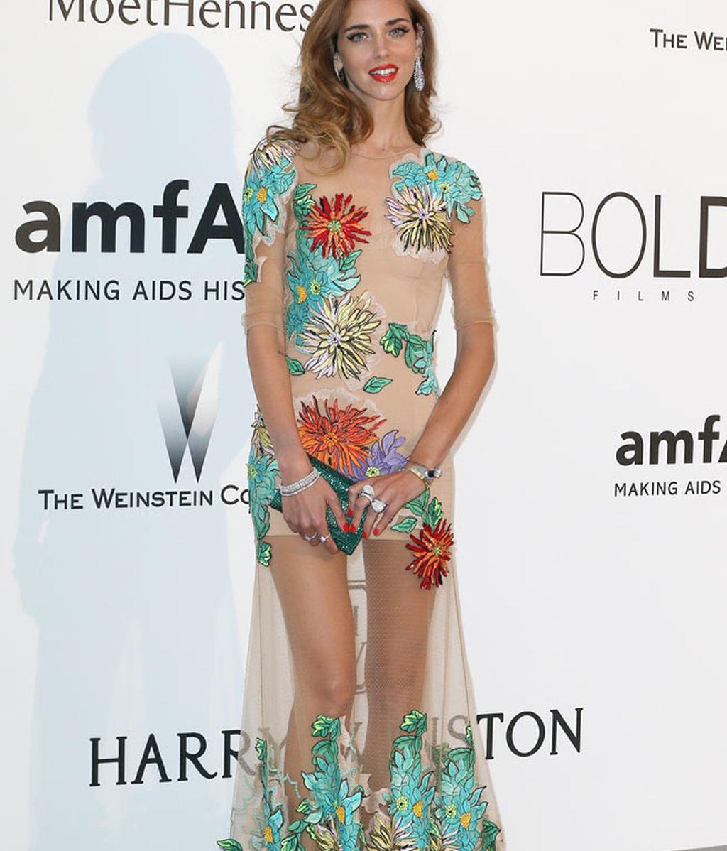 Chiara Ferragni, con vestido con transparencias y bordados florales de Blumarine