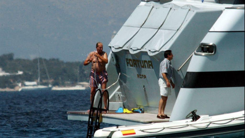 El Rey Juan Carlos I, a bordo del Fortuna