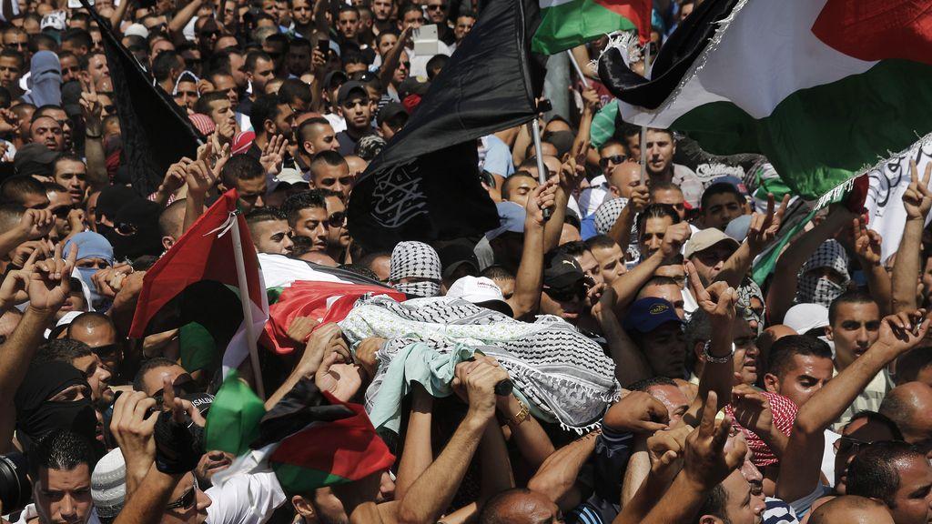 Disturbios en el funeral del adolescente palestino asesinado