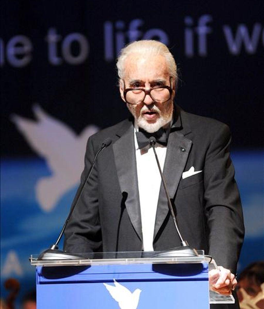 """El actor británico Christopher Lee habla durante el lanzamiento de """"Cine por la Paz"""" en el marco de la edición 59 del Festival Internacional de Cine de Berlín (Alemania) el pasado 9 de febrero. EFE/Archivo"""