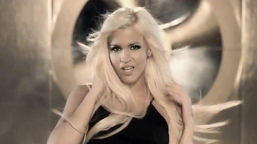 Ylenia presenta su nuevo videoclip 'Pégate'