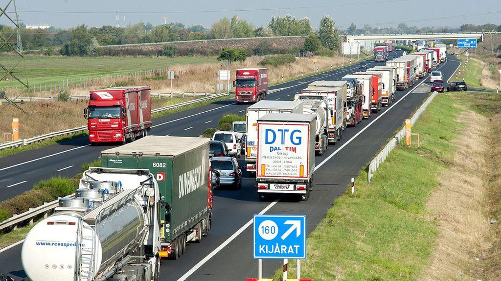 Atascos provocados por los controles en la frontera de Austria