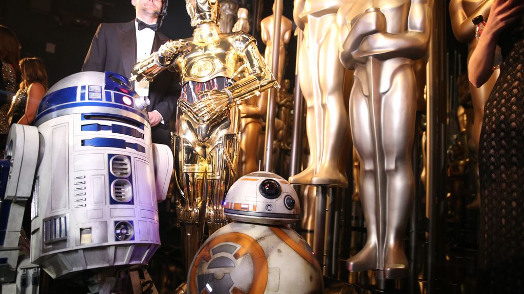 Los droides de Star Wars 'R2-D2', 'C-3PO 'y 'BB-8' llegan a los Òscar