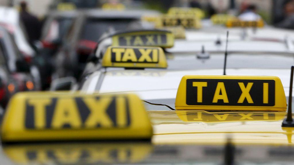 La CNMC recurre la ley que restringe la competencia de compañías como Uber y Cabefy