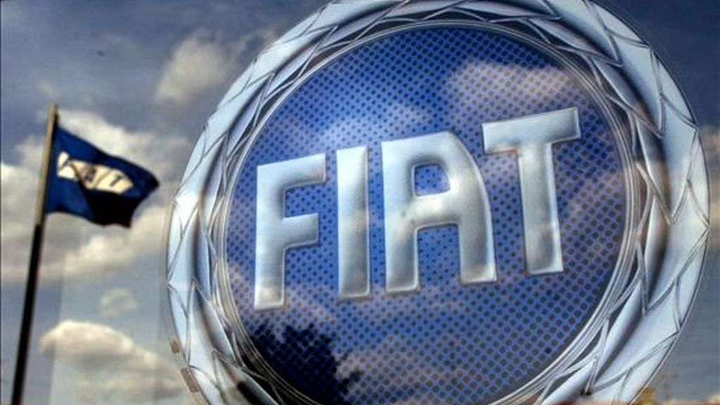 El gigante automovilístico Fiat no descarta emprender acciones legales tras la retención este jueves de tres de sus directivos, dos belgas y un italiano, en un concesionario de Bruselas. EFE/Archivo