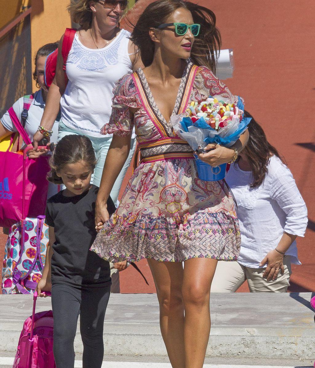 David Bustamente y Paula Echevarría celebran el paso de infantil a primaria de su hija