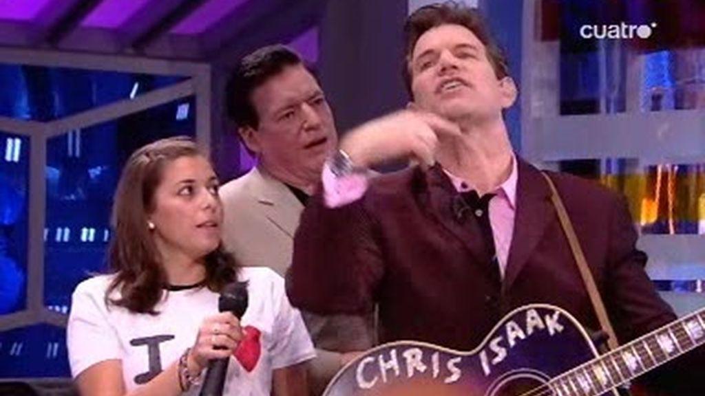 Chri Isaak canta uno de sus temas con Trancas y Barrancas