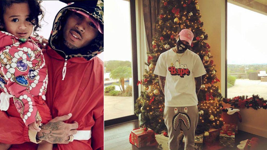 """El cantante Chris Brown, un poco disfrazado, desea """"felices fiestas a todos"""""""