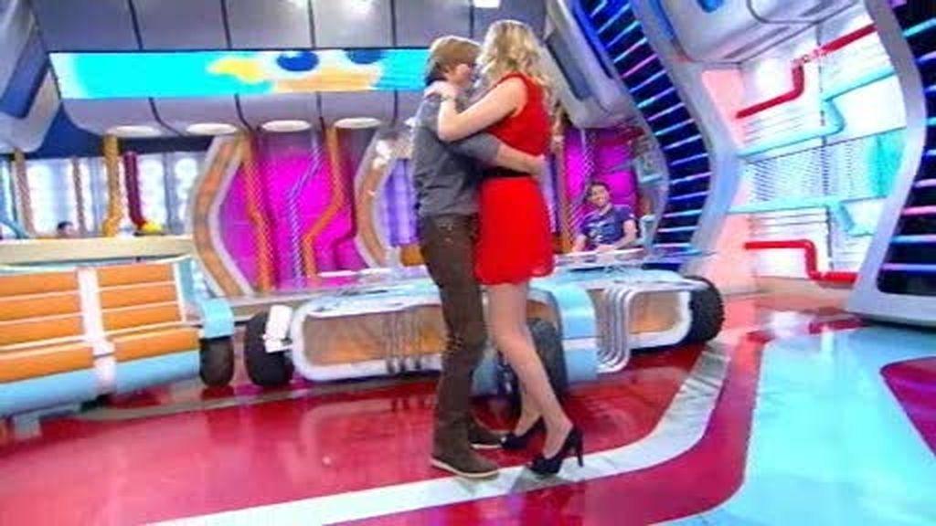 Anna y Carlos Baute, en un baile agarrado