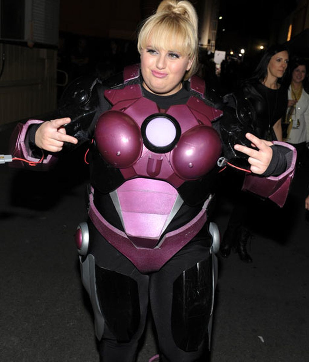 Rebel Wilson transformada en el 'Power Ranger' rosa