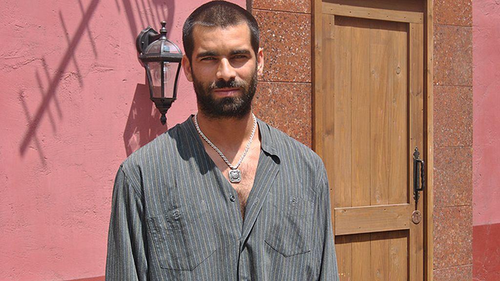 Faruq Ben Barek (Rubén Cortada), narcotraficante y antagonista de Fran
