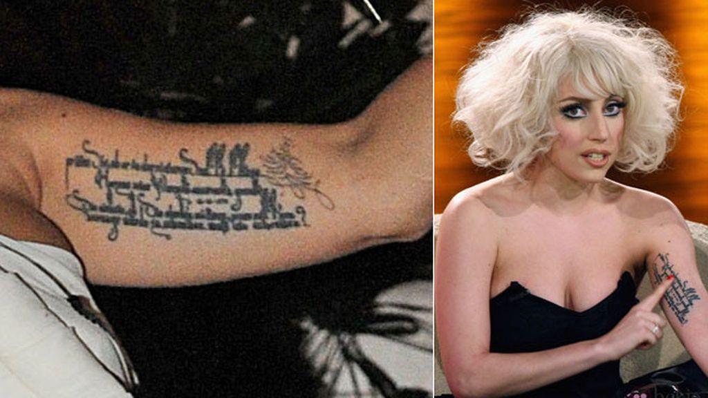 Lady Gaga, entre sus fans y su poeta preferido
