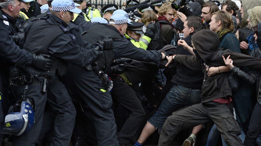 Detenidos 31 antifascistas durante una concentración antiislámica en Londres