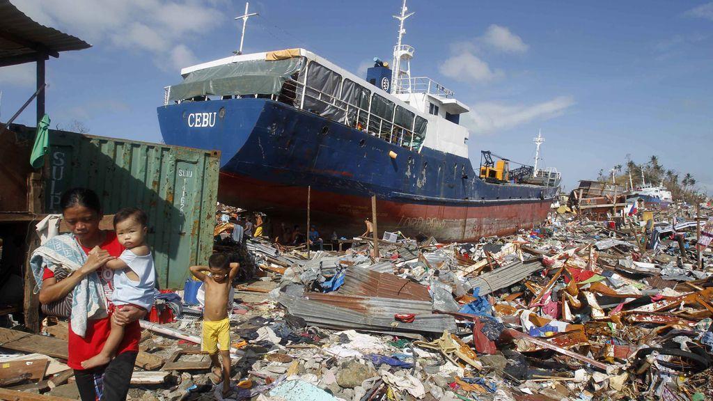 La ciudad de Anibong arrasada tras el paso de Haiyan