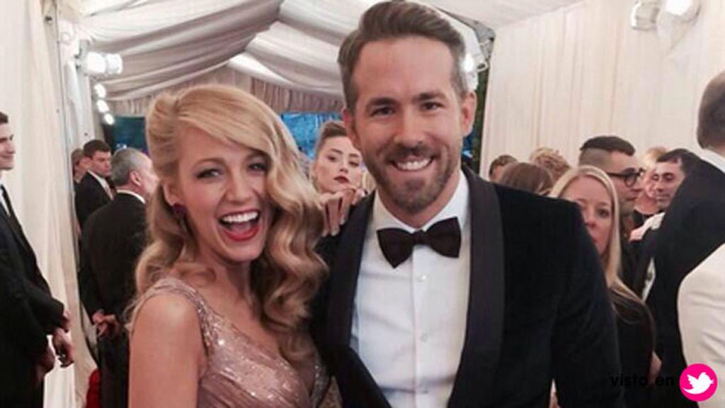 Blake Lively y Ryan Reynolds muy cariñosos y sonrientes