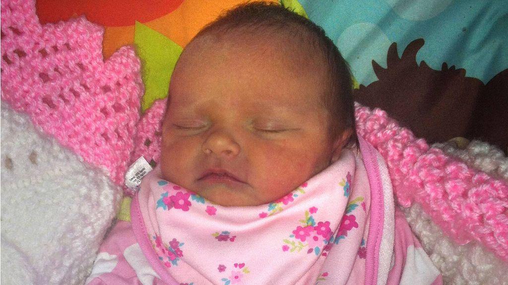 Eliza-Mae Mullane, la bebé recién nacida muerta presuntamente por el ataque de un perro