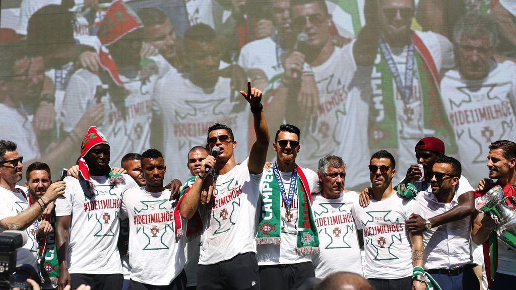 Portugal celebra en su casa su primera Eurocopa (11/07/2016)